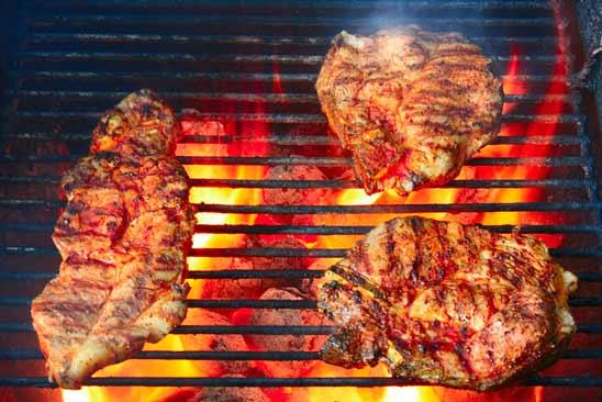 Leckeres Fleisch auf dem Grill