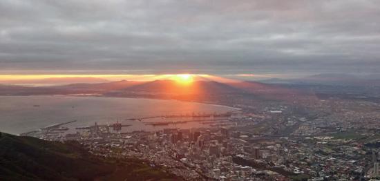Blick über Kapstadt, Sonnenaufgang