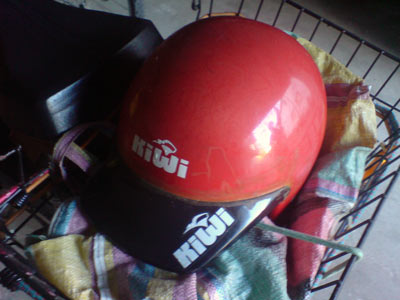 Roter Kiwi-Helm